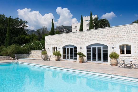 Chateau Saint Jeannet - indoor outdoor eating, pool & landscape